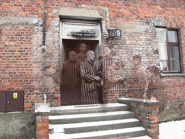 Prisioneros liberados del campo de concentración de Auschwitz