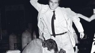 Franco Nero agrediendo a un fotógrafo